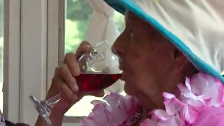 A borra esküszik a 100 éves asszony