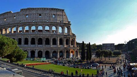 Betiltották az éjszakai italozást Róma utcáin