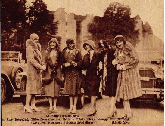 A Primadonnák Versenyének mezőnye (b-j): Fabinyi Kató (Mercedes), Titkos Ilona (Lancia), Mészáros Polett (Buick), Somogyi Nusi (Citroen), Zilahy Irén (Mercedes), Babochay Erzsi (Essex)