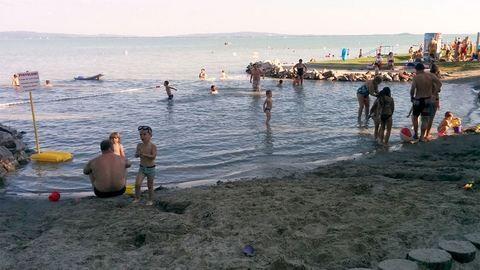 Újabb balatoni strand lett fizetős