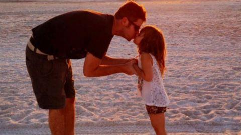 Cuki Trónok harcás rajzokkal lepte meg kislányát a kreatív apuka