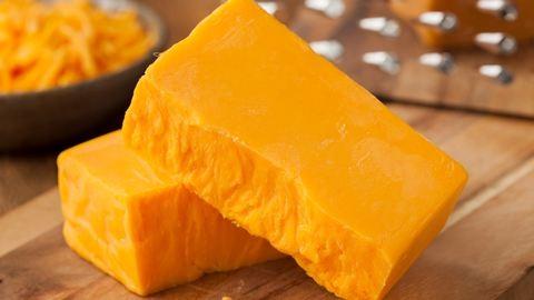 Több százezret érő sajtokat loptak el