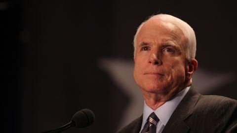 John McCainnek agresszív agydaganata van