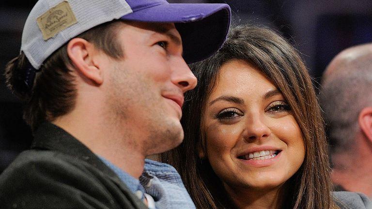 Ashton Kutcher és Mila Kunis Biatorbágyon bukkant fel
