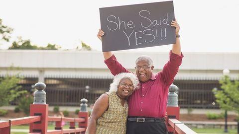 Elolvadsz, ha meglátod az idős szerelmespár eljegyzési fotóit!