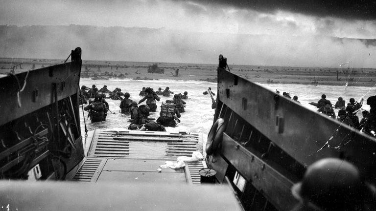 Előkerültek a képek a pokolból - ilyen volt a partraszállás