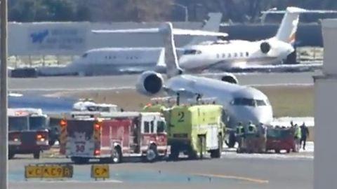 Riadalom a reptéren: megszökött egy repülő – videó