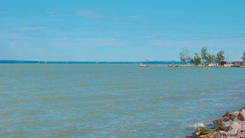 Belefulladt egy strandoló a Balatonba