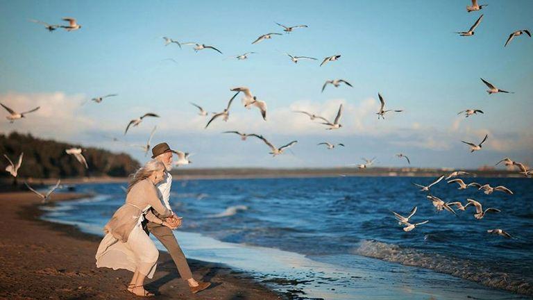 Gyönyörű fotók örökítik meg az idős pár évtizedekig tartó szerelmét