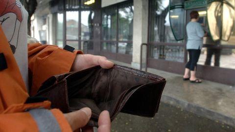 Egy bank véletlenül lenyúlta egy csomó pénzemet, és nem hajlandó visszaadni