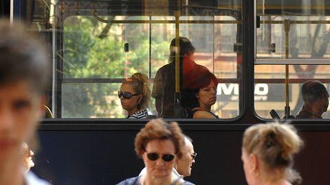 """Én vagyok az a """"maifiatal"""", aki nem adja át a helyét a buszon"""