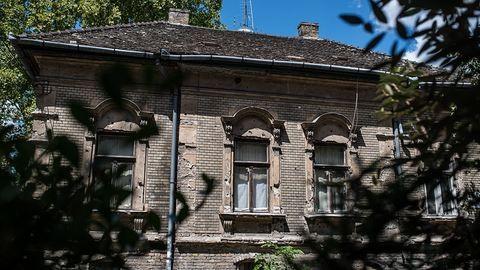 Ehhez a házhoz 130 éve nem nyúltak – pesti utcák, ahol megállt az idő
