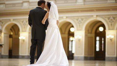 Átlagosan ennyi ideig járnak a párok a házasság előtt