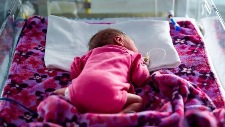 A nap 24 órájában együtt lehetnek az anyák a koraszülött babájukkal