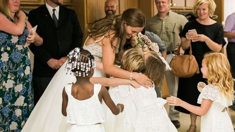 20 tündéri kisgyerek volt a sztár a tanárnő esküvőjén