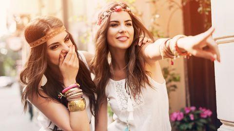 16 ruha és kiegészítő hippi stílusban