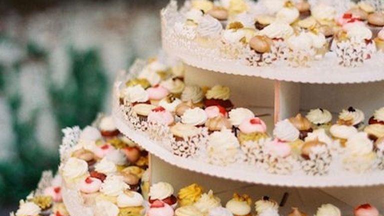 13 esküvői cupcake-csoda, ha a sima tortákat már unod