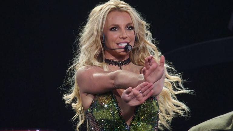 Fegyverrel támadtak Britney Spearsre Las Vegas-i koncertjén