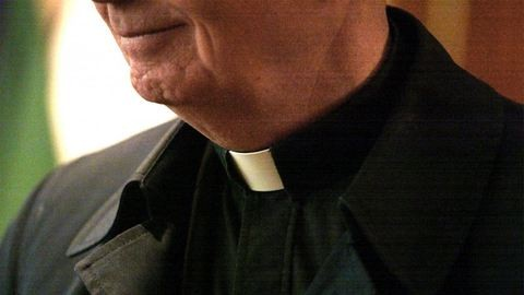 Olyan kevés a pap, hogy nős férfiakat is felszentelne egy magyar püspök