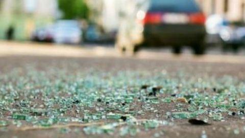 Szalagkorlátnak ütközött egy autó Szegednél