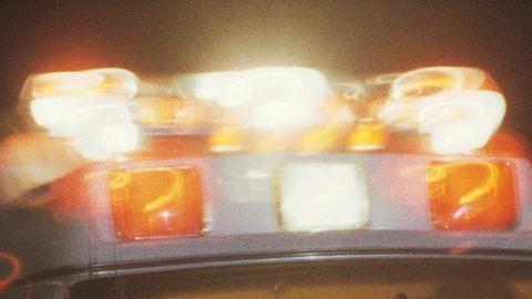 Úgy üvöltette autójában a Despacitót, hogy a szirénázó mentőt sem vette észre