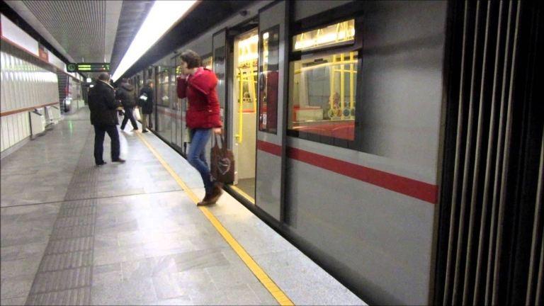 A mozgólépcsőn akartak megerőszakolni egy nőt Bécsben