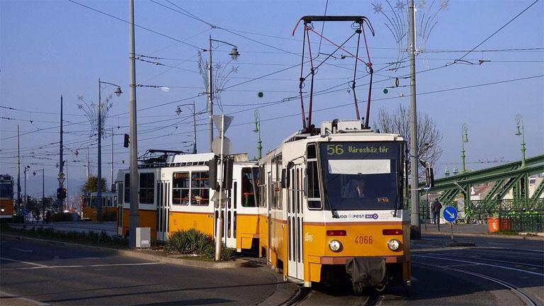 56-os jelzésű Tatra T5C5K villamos a Szent Gellért téren - Wikipedia