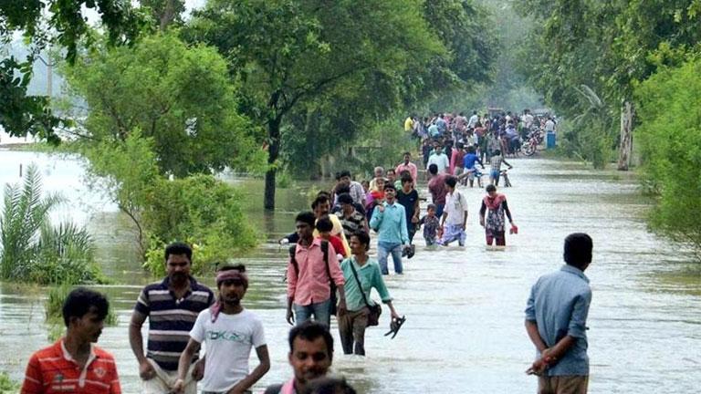 Nepálban és Bangladesben is milliókat érint a természeti katasztrófa (Fotó: Hindustan Times)