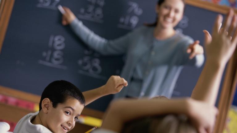 Egy szakmunkás többet keres egy pályakezdő tanárnál