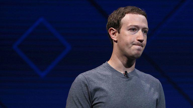 Mark Zuckerberg most még nyeregben van, de fel kell kötnie a hálózati kábelt... (Fotó: Getty Images)