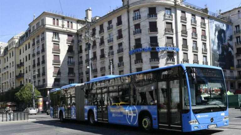 Csaltak a biztonsági őrök az új reptéri buszokon