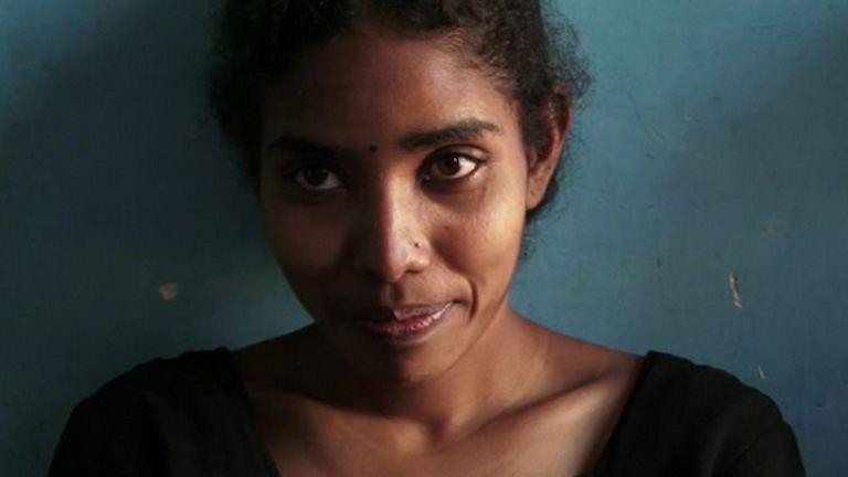 Gyermekként adták férjhez - most ő India első női taxisofőrje
