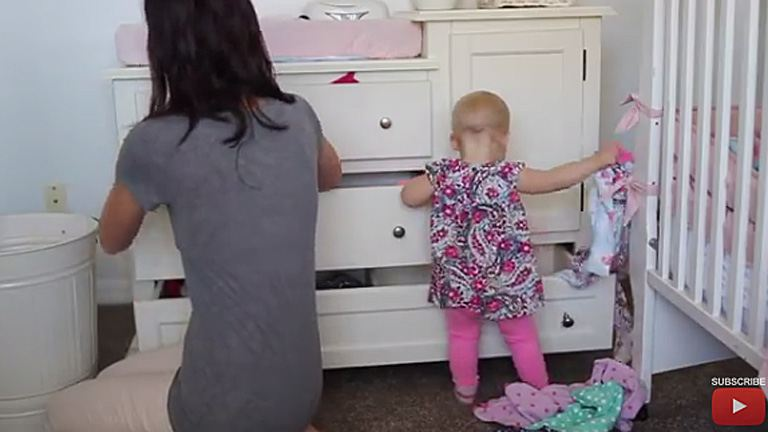 Sztoikus nyugalom, az kell az anyasághoz öregem! (videó)