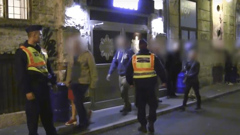 rendőrök, bulinegyed, razzia (forrás: police.hu)
