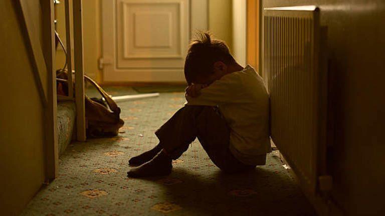 gyerekbántalmazás (fotó: iStock)