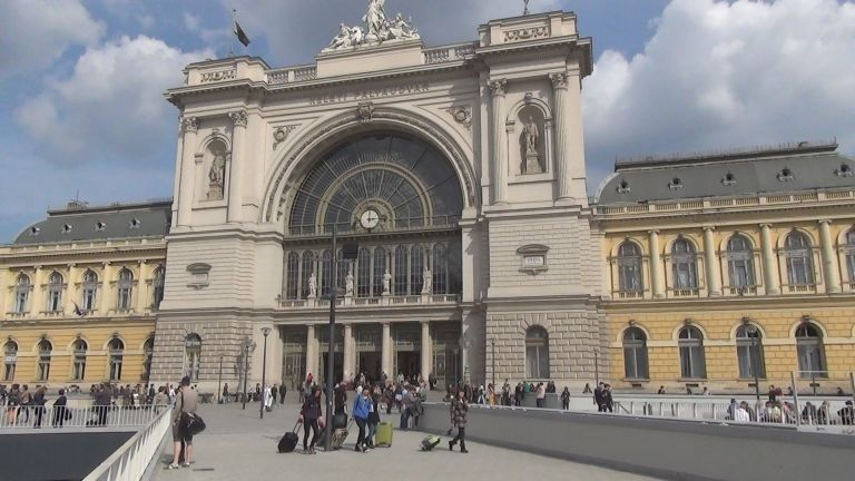 Keleti pályaudvar (forrás: YouTube)