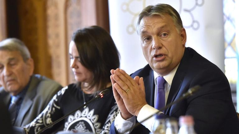 Orbán Viktor az Idõsek Tanácsának ülésén (MTI Fotó: Máthé Zoltán)