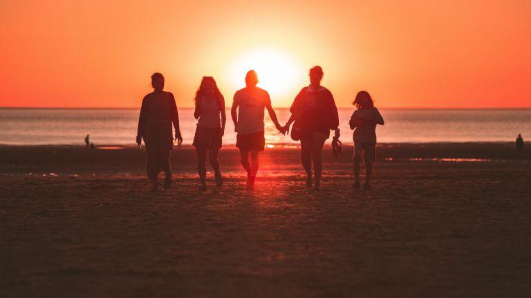 család naplemente
