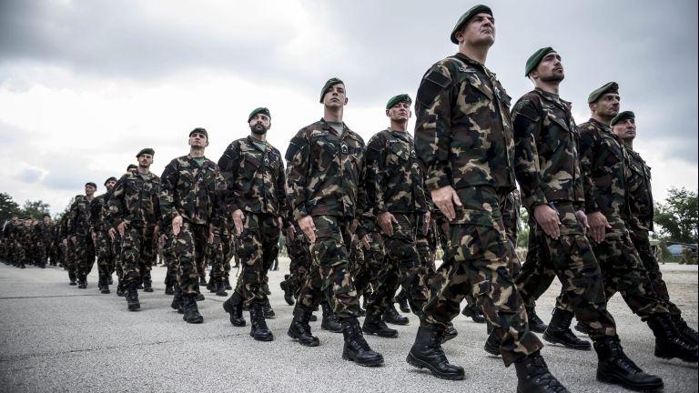 Iraki és koszovói misszióba induló katonák (MTI Fotó: Bodnár Boglárka)
