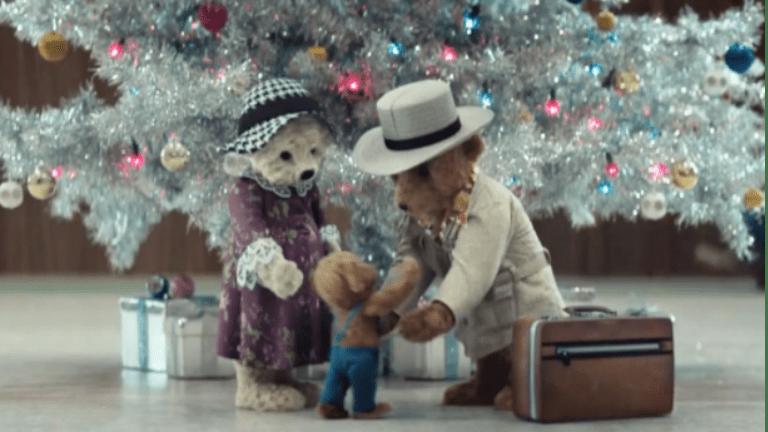heathrow, karácsony, mackó