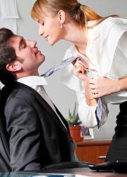 A hatalom a nőknél is hűtlenséggel jár