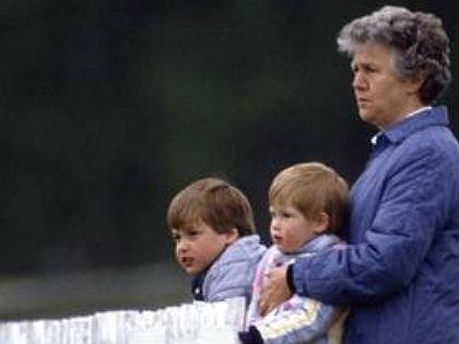 További képek a dadáról és az ifjú hercegekről, itt!