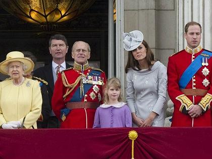 Meg kell műteni II. Erzsébet unokáját