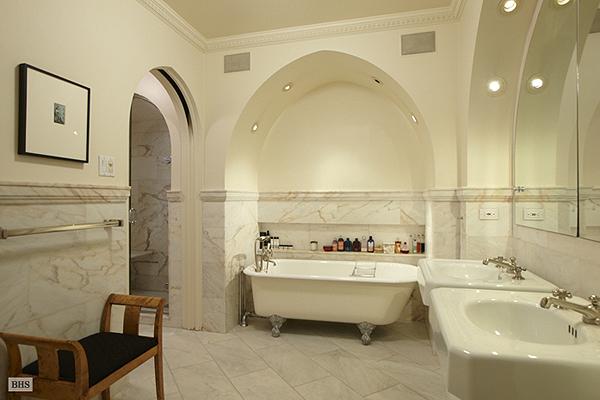 A csupa márvány fürdőszoba