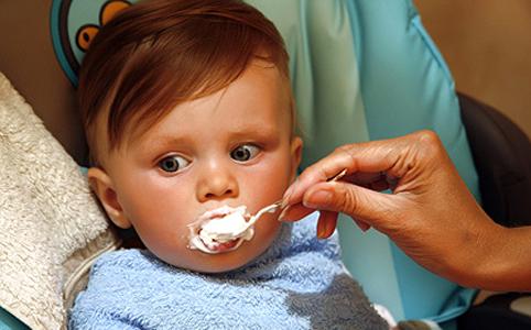 Tejtermékek bevezetése a kisgyermekek étrendjébe