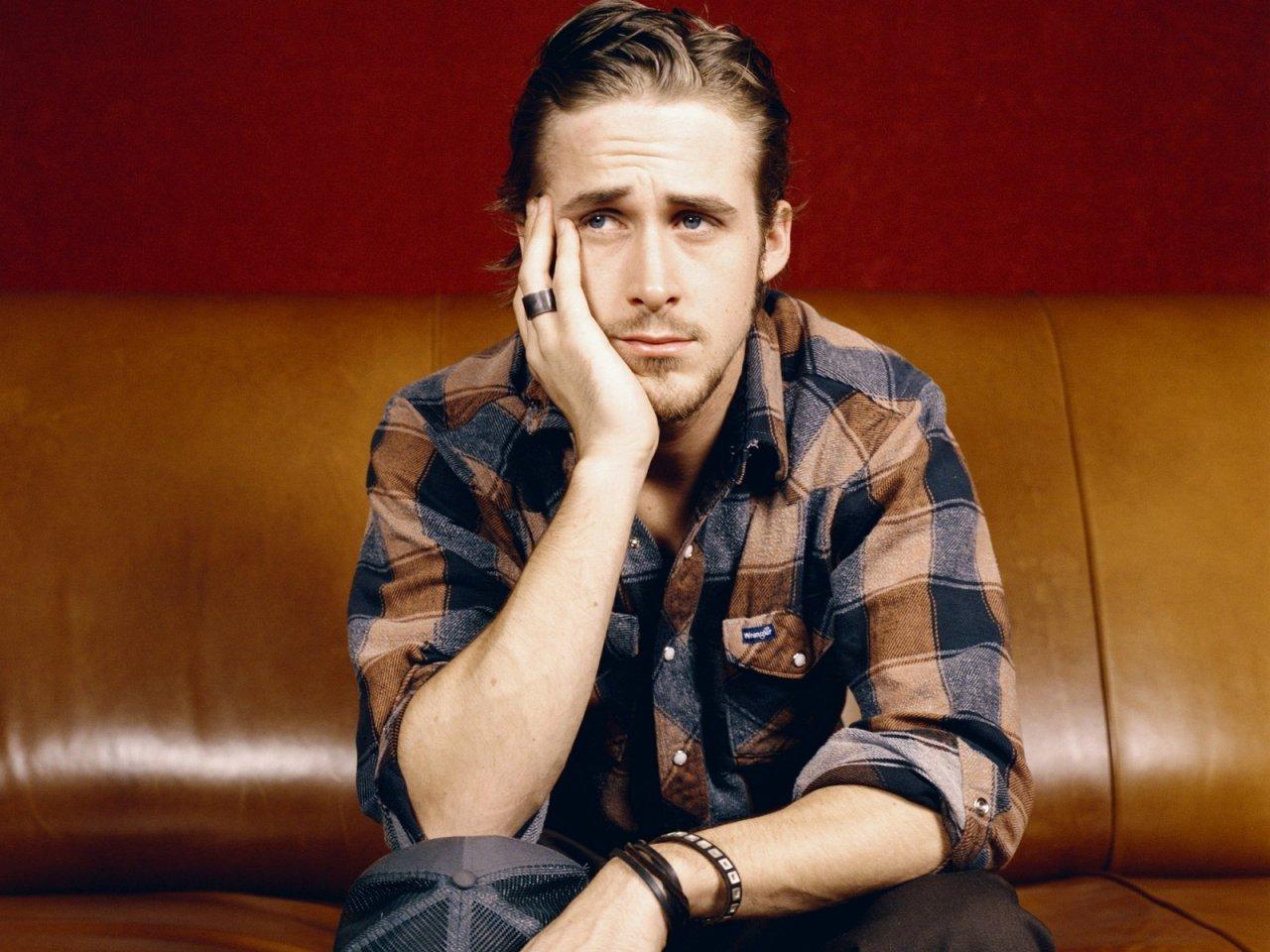 Alfahímek csörtéje: Ryan Gosling kontra Bruce Willis