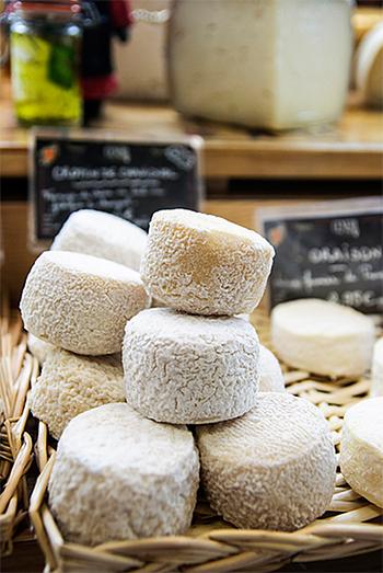 Lágy, lyukas, penészes - sajtok a világ körül