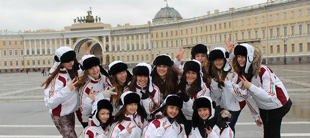 Magyar kislányok a dobogó legfelső fokán