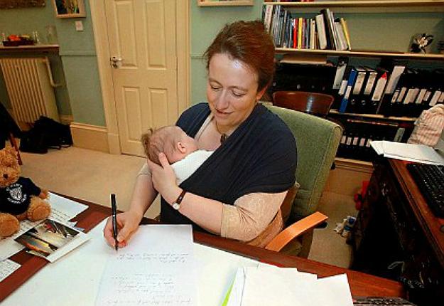 Az anyák többsége jellemzően három napot dolgozik hetente