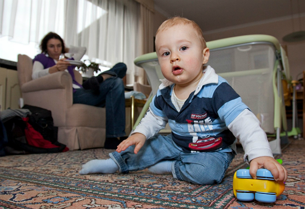 Angliában Sokan bízzák nannyre, au pair-re, vagy babysitter-re a babákat
